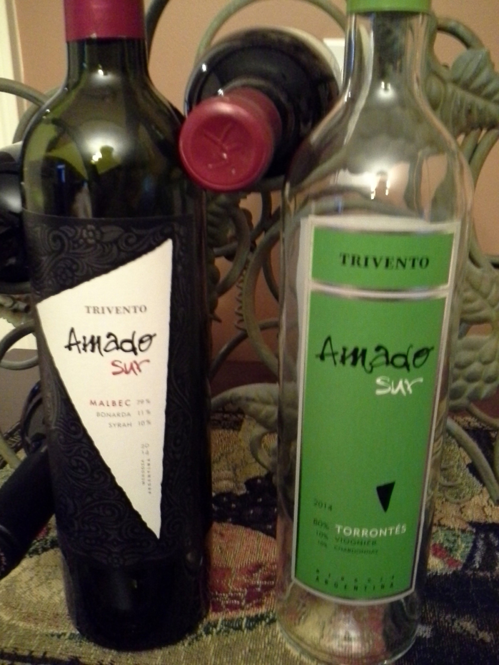 Amado Sur Malbec and Amado Sur Torrontés are a perfect pair for gifting.